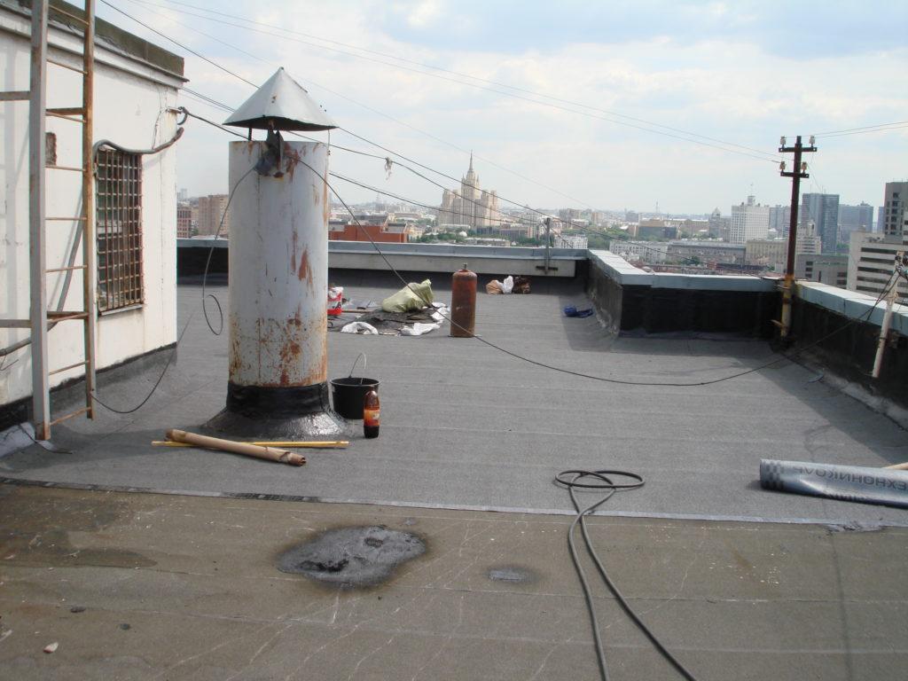 Устройство рулонной крыши в жилом доме
